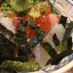 あかとら - 海鮮丼 アップ