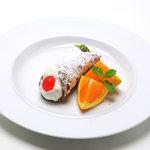 ピノサリーチェ - シチリア菓子「カンノーロ」2種クリーム入り