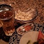 りり庵 - トマトのバジルソースとポップコーン