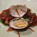 OSURI - あさりの旨味や、チャプチェ自体の味わいは旨味と胡椒のスパイシーの塩梅が良くて美味しい物の、ボリューム感が無いと言いますか、かなりお上品な盛りな一品でした。
