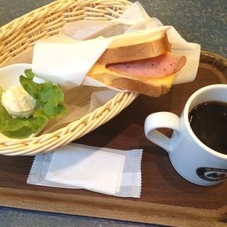 モリバコーヒー 赤坂一ツ木通り店 - ハムチーズトーストセット