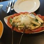 スパイスガーデン - 飲み放題付パーティーコースメニュー(Cコース) 水菜とパニール(チーズ)のサラダ