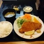 41380157 - ロースカツ定食