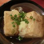 山梨郷土料理×日本酒・地酒 よってけし - 揚げだし豆腐 もずくあんかけ 460円。