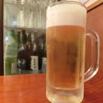 山梨郷土料理×日本酒・地酒 よってけし - サッポロ 黒ラベル 550円。