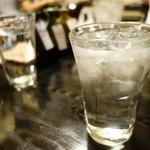 居酒屋蔵八 - (2015/7月)日本酒のチェイサーにとお冷をお願いしたら氷の有無を聞いてくれた