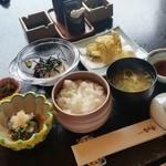 なか安 - 八王子の老舗の料亭で「日替り定食 (1000円)」♪