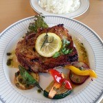 41394253 - 知床鶏と季節野菜のハーブグリル