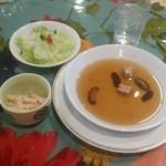 ベースボール - スープも昔ながらの洋食屋さん風な味わい
