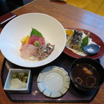 41396731 - 新秋刀魚入り海鮮丼と天麩羅膳