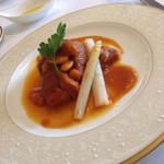 ヴィーヴルソレイユ - 肉メイン。豚バラと白インゲン豆のトマト煮込み(^∇^)