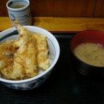 万平 - 天丼(味噌汁付き)