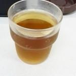 らーめん一番輝 - セルフの麦茶
