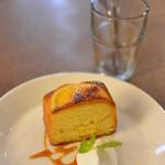 センダイコーヒー - オレンジのケーキ