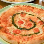 ヴェローナ - 料理写真:ピザ