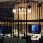 ジュリアーノ - カーテンで仕切れるソファー席フロア