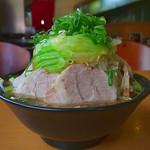 麺匠 有磨屋 - 司郎系らー麺(大盛り、ちゃーしゅー増し、野菜増し、2015年7月18日)