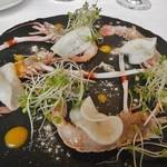 イルバンビーノ - スカンピ海老のカルパッチョ カブのマリネ ベーコンと白ゴマオイル マンゴーソース