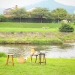 41407897 - ピクニックセット。100歩で賀茂の流れに。テーブルやイス貸出(有料)