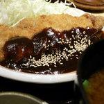 名古屋有松 うなさく - 濃厚な味噌だれがこぉ~んなにいっぱい・・・