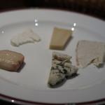 バー ニート - チーズ盛り合わせ