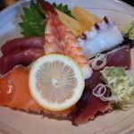 中宿来 - 海鮮ちらし丼アップ