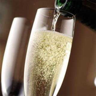 ◆本場スペインのビールやワイン、シェリー酒など豊富な品揃え♪