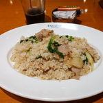 dining & bar ESTADIO - 日替りランチ(豚バラとセロリのガリックピラフ) 1000円 大盛無料