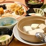 とうふ&伊勢芋とろろ(湯豆腐or冷奴)ランチ