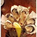 オストレア 恵比寿店 - 1皿目の生牡蠣 (12ピース 3600円)