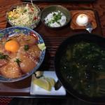 漁師料理 みき - ハマチ丼1000円