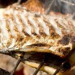 旨食上酒 恵比寿 まんまる - 炭で焼き上げたお魚は日本酒にぴったり!