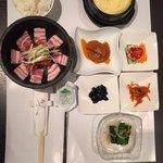 17(イチナナ)石焼豚三段バラ定食