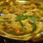 串屋横丁 - プルプルのモツ鍋〜!!美容にも良さそう!スープも美味しい。