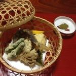 門前茶屋 - 料理写真:地の物の天ぷら♪