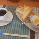萌木 - 料理写真:トーストセット 450円