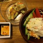 焼肉居酒家 韓の台所 - サラダとチヂミと冷奴