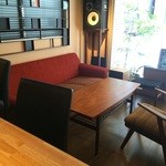 カフェ スケッチ - これはソファ席、こんな席に座ったら帰れません♪