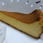 チーズケーキ CAFE MAGY - こちらはプレーン