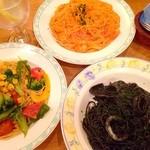 ピッコロヂヂ - 小エビのトマトクリームソース&野菜のスパゲッティ&イカすみのスパゲッティ