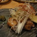 旬肴居酒屋 味人 - 大山鶏のもも焼き750円