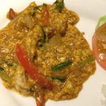 タイレストラン タニサラ - クンパッポンカリー(ふわふわ卵のエビカレー)