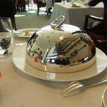レストラン タテル ヨシノ 銀座 - ピカピカのクロッシュ