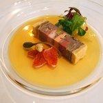 レストラン タテル ヨシノ 銀座 - 前菜:ジビエのパテ・アン・クルート ステラマリス