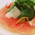 レストラン タテル ヨシノ 銀座 - 前菜:仔ヤギのカルパッチョ