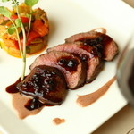 ALLT GOTT - 料理写真:夏鹿のロースト、リンゴンベリーソース