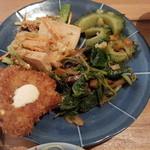 船出屋 - 副菜。お麩カツ、高野豆腐、ゴーヤの炒め、ナスとモロヘイヤの和え物。薄過ぎず濃過ぎず、絶妙なお味。
