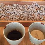 板蕎麦 香り家 - 「おためし」が付くと、ツユが2種類!
