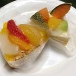不二家 MIDORI 長野店 - たっぷりフルーツのタルト(メロン)とたっぷりフルーツのタルト(シトラス)