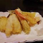 魚菜お花 - 天ぷらも付いています
